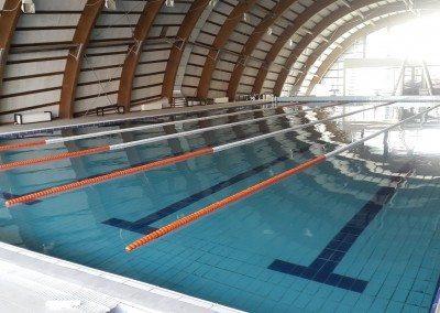 piscina-cu-luciu-de-apa