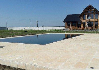 piscina-din-beton-cu-deversare-perimetrala