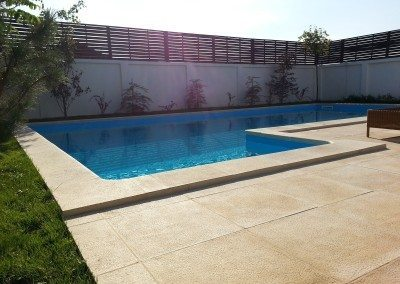 piscina-exterioara-din-beton
