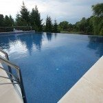 piscine-cu-latura-negativa