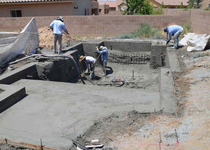 constructie piscina in regie proprie